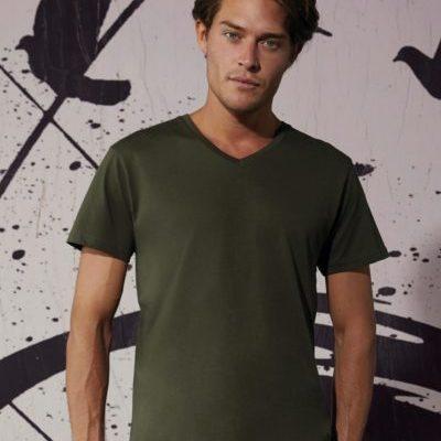 Pánské tričko B&C Inspire s výstřihem do V